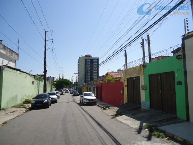 Apartamento residencial à venda, Fátima, Fortaleza - AP0447.