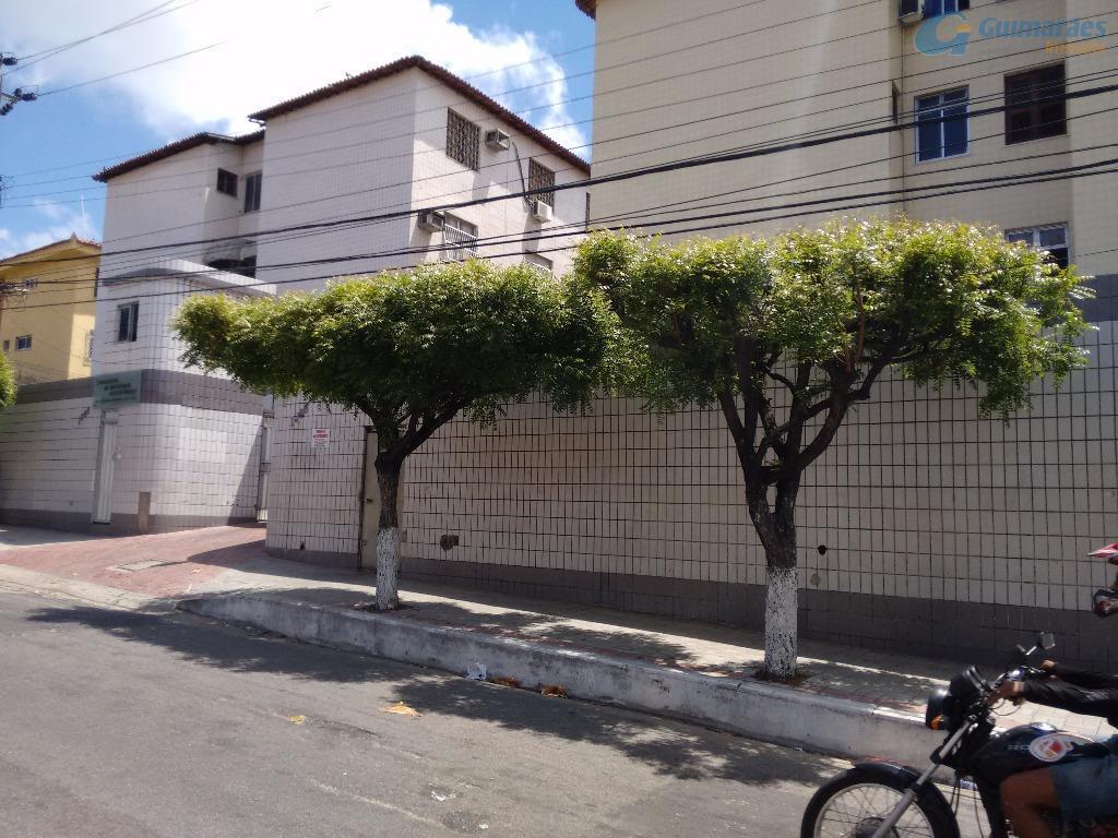 Apartamento residencial à venda, Benfica, Fortaleza.