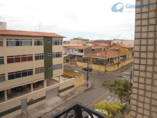 Apartamento residencial à venda, Montese, Fortaleza - AP1782.