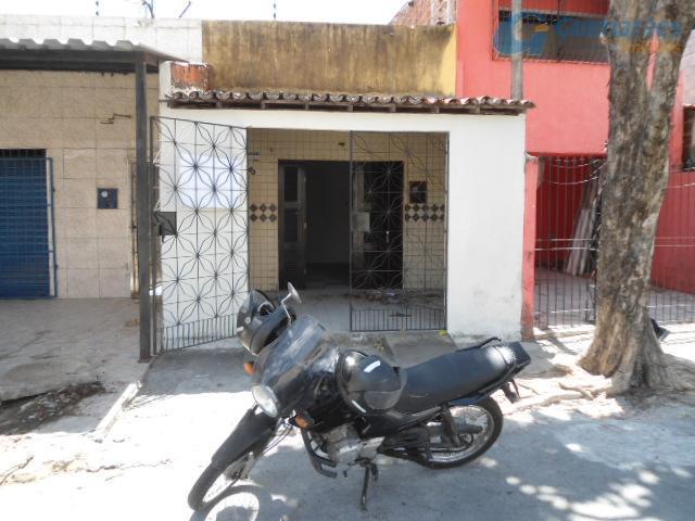 Casa residencial à venda, Montese, Fortaleza - CA1003.