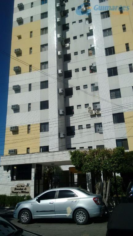 Apartamento residencial à venda, Guararapes, Fortaleza - AP2780.