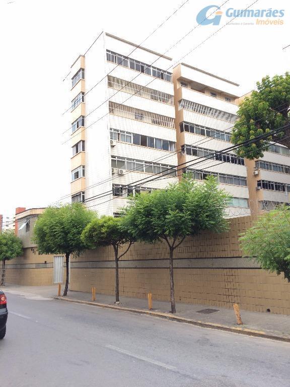 Apartamento residencial à venda, Benfica, Fortaleza - AP2748.