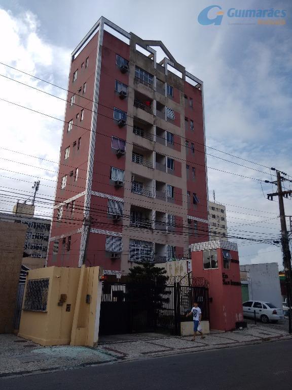 Apartamento residencial à venda, Benfica, Fortaleza - AP2840.
