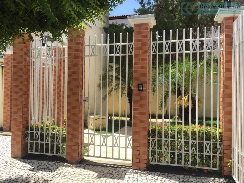 Casa com 3 dormitórios à venda por R$ 360.000 - Lagoa Redonda - Fortaleza/CE