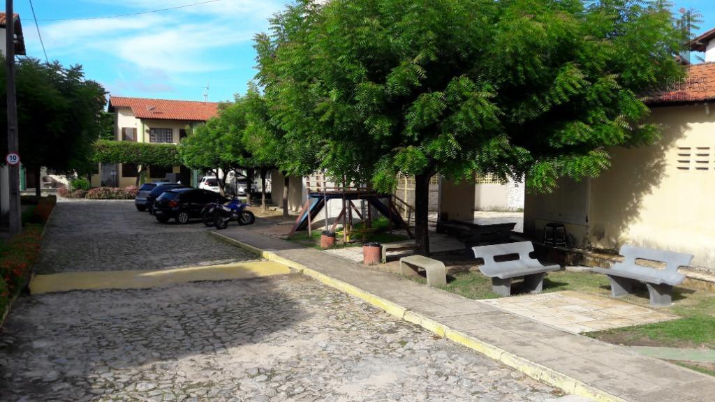 Apartamento com 3 dormitórios à venda, 63 m² por R$ 160.000 - Cambeba - Fortaleza/CE