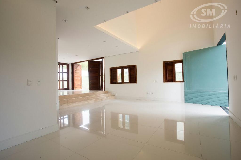 casa duplex com 300 m de área construída, terreno nascente de 450 m. são 03 suítes...