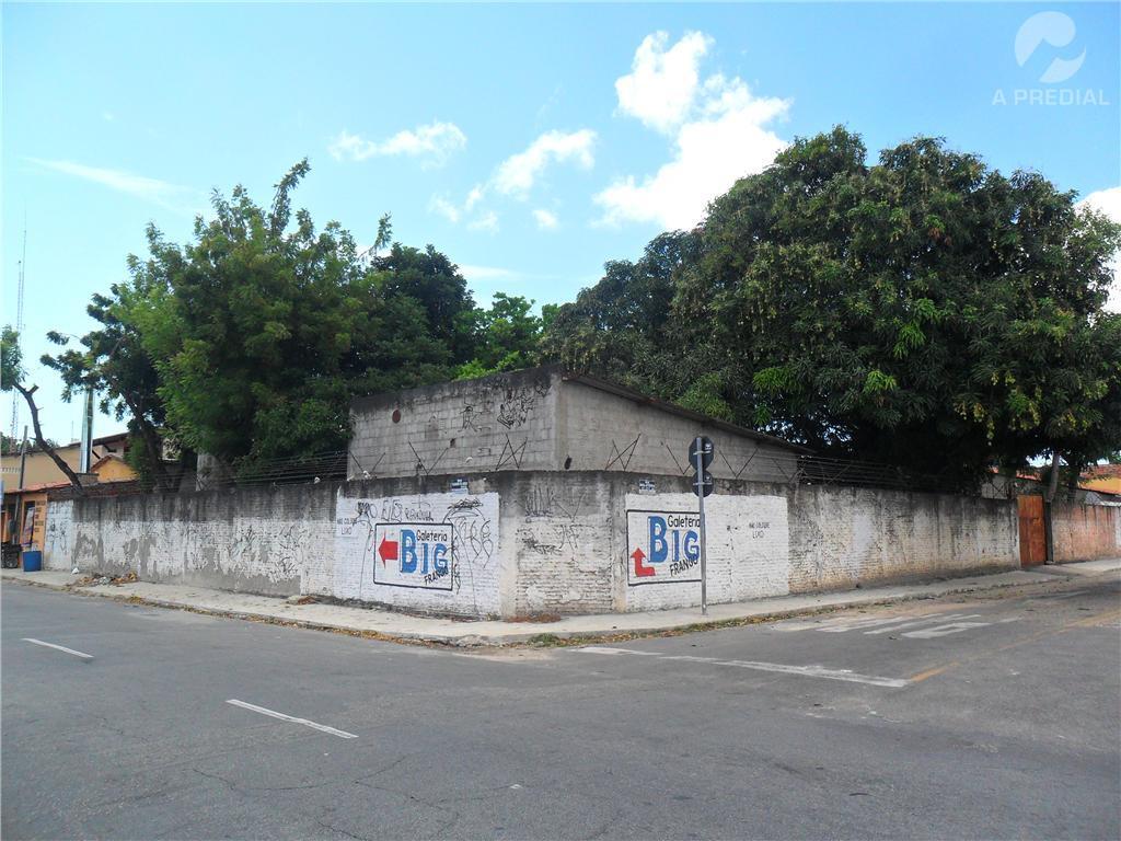 Terreno comercial à venda, Itaperi, Fortaleza.