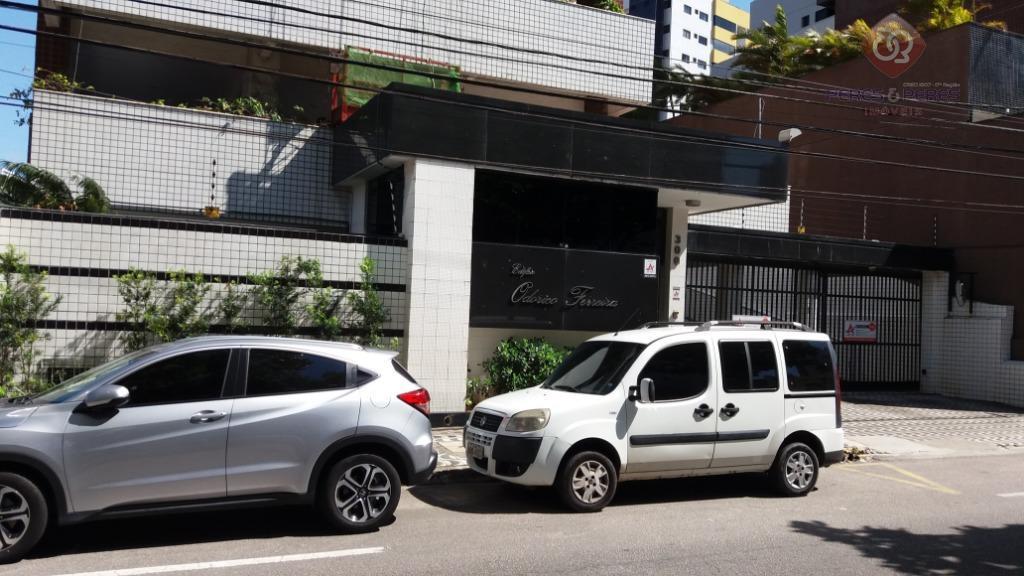apartamento diferenciado, 2/4, mais dep. de empregada com 110m2, r$ 2.800,00, já com condomínio e iptu...