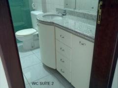 aluga-se apartamento no tirol com 190m2, com 4 suítes todas com armários, sendo duas delas com...