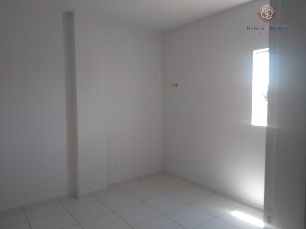 Excelente apartemento com 3/4 sendo um suíte com dependência R$ 1.350,00