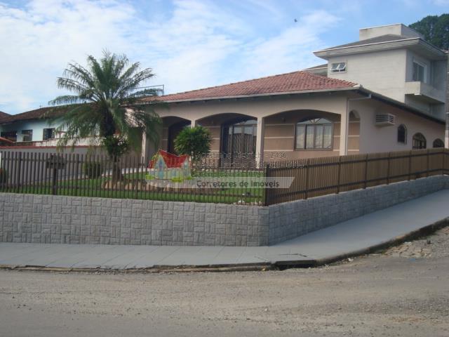 Residencia com Alto Padrao de acabamento +Piscina no Bairro Aventureiro !!!