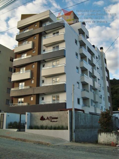 Apartamento residencial à venda, Bom Retiro, Joinville.