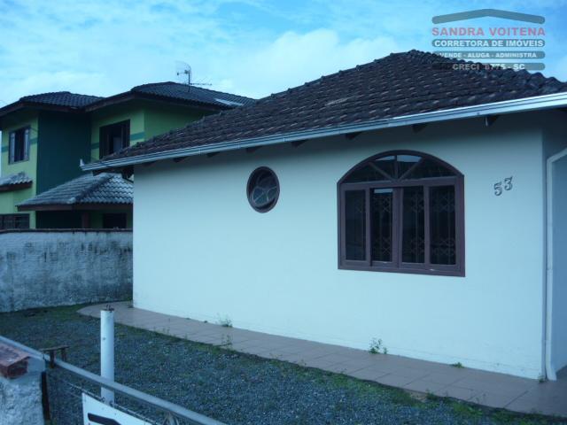 Casa residencial à venda, Petrópolis, Joinville - CA0023.