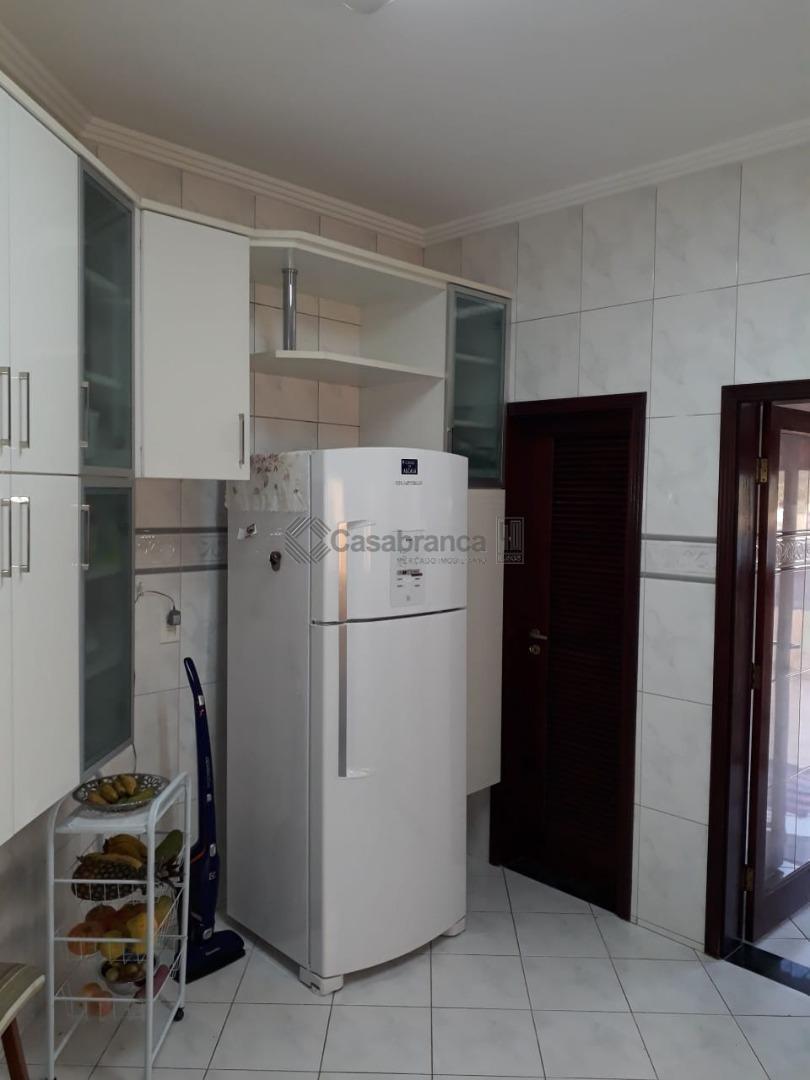 # sobrado t-345m², a/c-315m²# 3 dormitórios sendo 1 suíte master, # cozinha, despensa, sala 3 ambientes,...