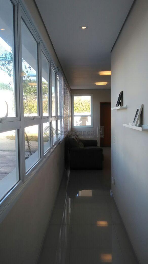 # sobrado completo com móveis planejados;# 05dts/03stes/01master + 02 suítes americanas;# sala 02 ambientes;# escritório;# lavabo;#...