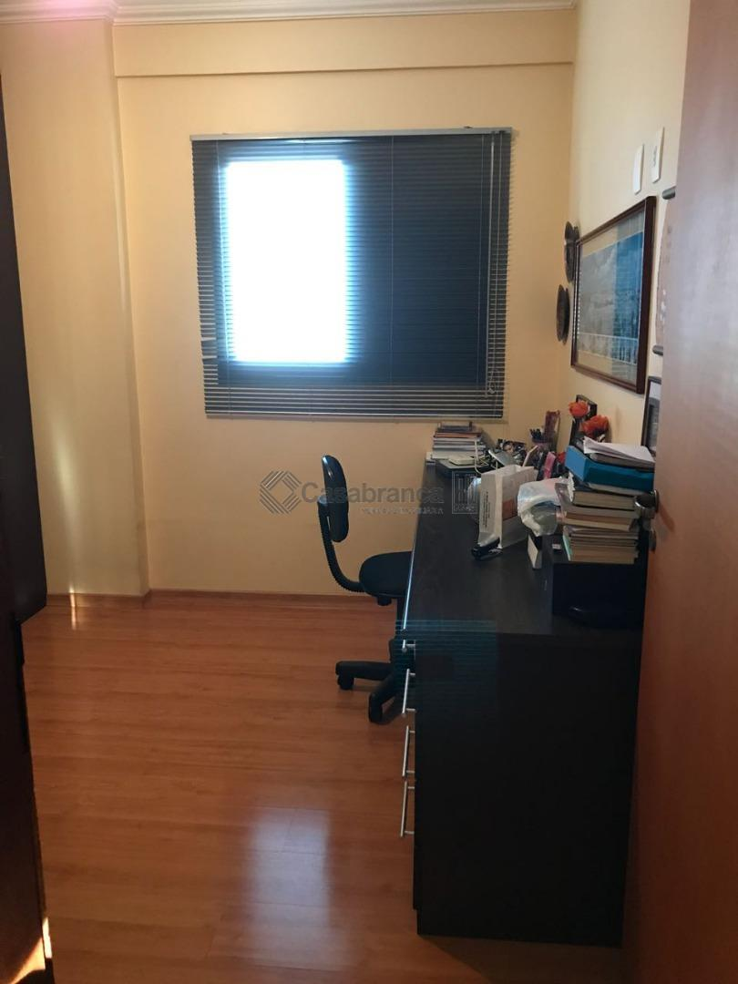 excelente apto no centro de sorocaba, com 03 dorm. (01 suite) com bastante armários, sala para...