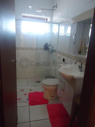 sobrado com 03 pavimentos, construção excelente e acabamento muito bom,no térreo, sala ampla com lavabo, copa...