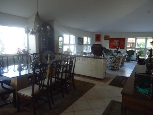 ampla casa com divisão muito boa no vivendas do lago.possuí 05 dormitórios, sendo 04 tipo suíte,...
