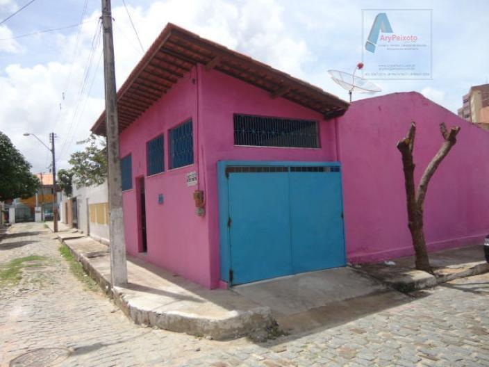 Casa Próximo a AV. Bezerra de Menezes