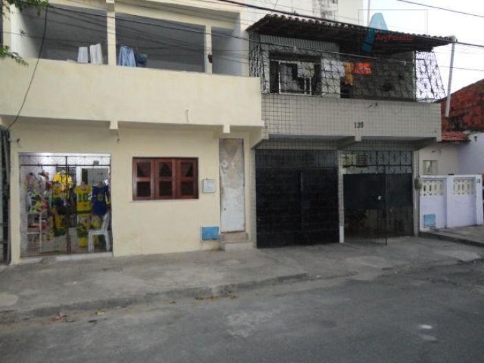 Casa duplex próximo a av. Professor Gomes de Matos