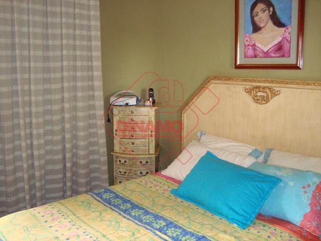3 dorms.(suíte c/ armários/blindex) armários, sala 3 amb., escritório, lavabo, wc. social(blindex), sacada, copa-cozinha planejada, área...
