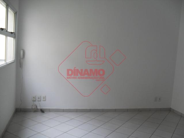 sala medindo 25 m² úteis, wc social, copa. piso frio, não tem vaga de garagem, sala...