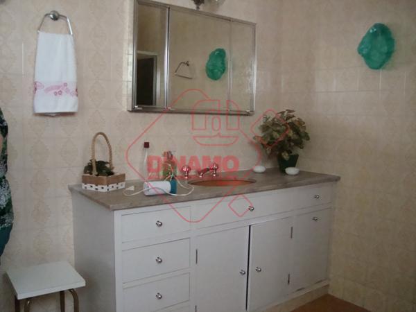 3 dorms.(suíte c/ closet/box) armários, sala 2 amb., wc. social (armários/box), cozinha modulada, área serviço, quarto...