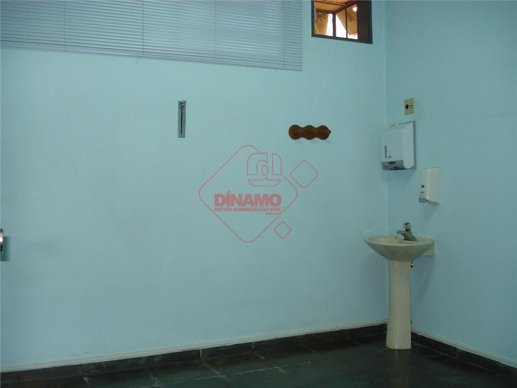 sala +/-12,25 m², estacionamento, recepção, cozinha, 2 wcs paciente, 1 wc medico, sala de espera. *...