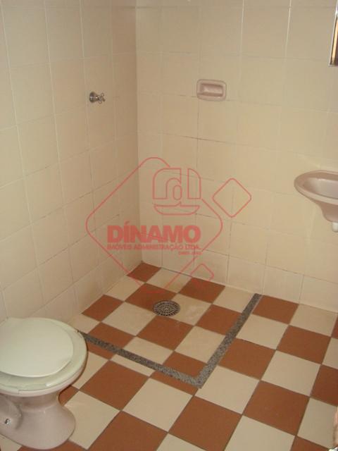01 dormitório (03 camas de alvenarias), sala, wc social, cozinha, área serviço.