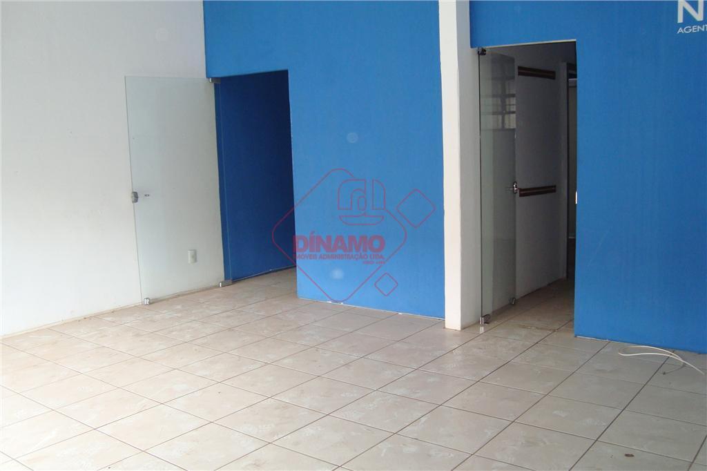 sala +/- 30 m², sala 12 m², sala 15 m², 02 banheiros (feminino / masculino), quintal...