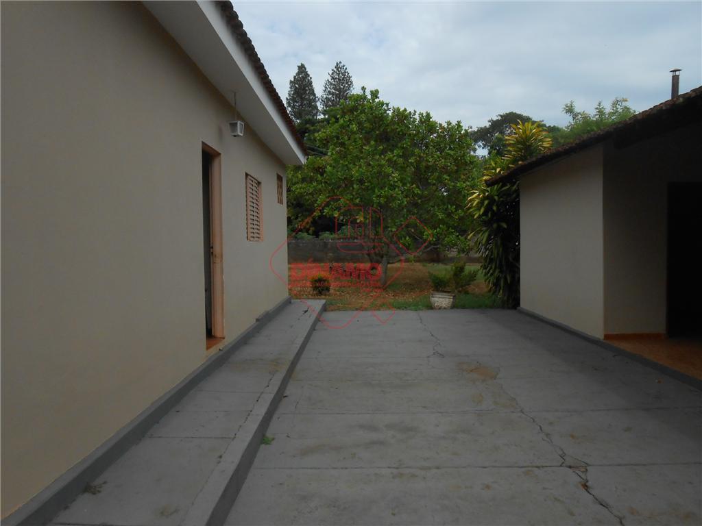 3 dorms.(suíte), sala, wc. social, varanda, cozinha, piscina, quarto despejo, garagens, piso frio, látex, terreno =...