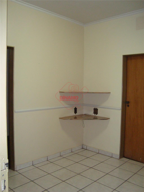 4 dorm. (suite /ar cond./ blindex/ gab), 2 salas, sala tv, lavabo,wc social (hidro/gab), cozinha (planejada),...