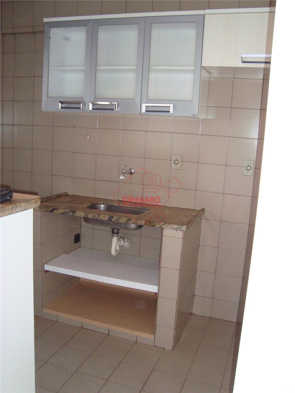 01 sala/dormitório (armário), wc social (gabinete. box), cozinha (armário), área de serviço (armário), 01 vaga de...