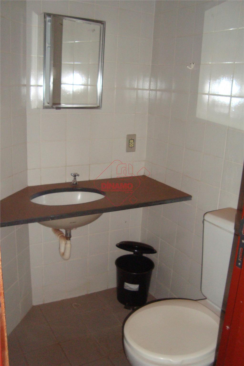 01 suite (arm), sala, cozinha (arm), área de serviço garagem, imóvel com 01 cama de solteiro,...
