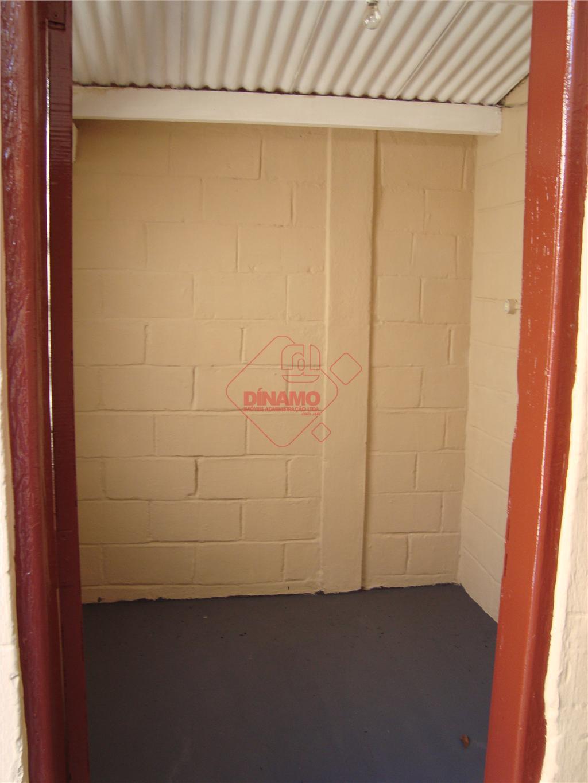 02 dormitórios, sala, wc social (box), cozinha, dependência de empregada, área de serviço, 2 vagas de...