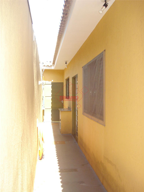 nova, 3 dorms.(suíte/closed) armários/ventiladores, 2 salas ambientes, wc social (gab./blindex), cozinha/área serviço planejadas, quintal, 4 vagas...