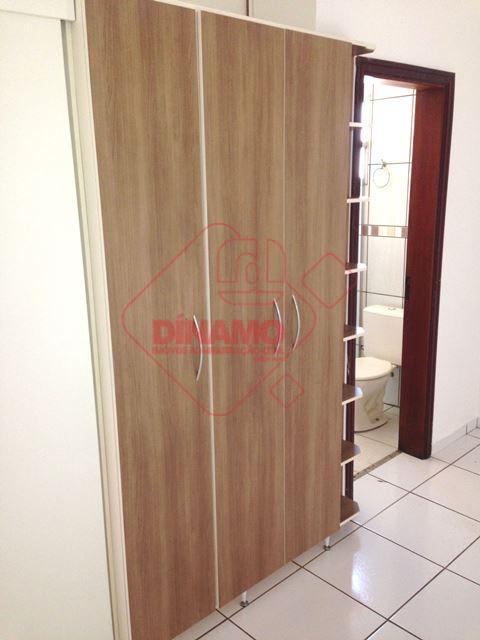 01 dormitório (armários), sala (armários), wc social (box/blindex), cozinha (armários), área de serviço, sacada, gás encanado...