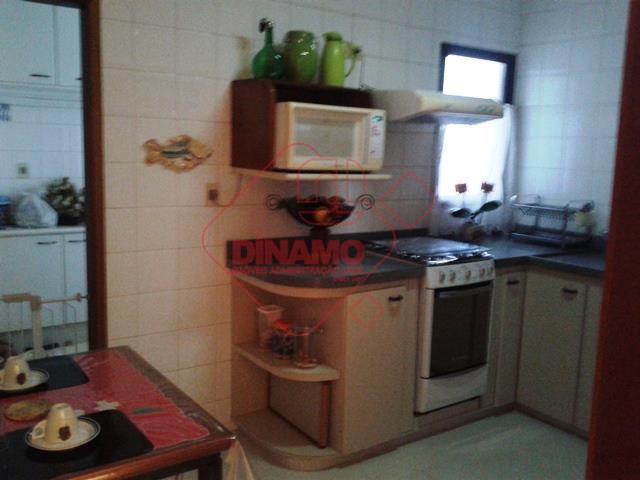 3 dorms.(suíte c/ blindex) armários, sala 2 ambientes, wc. social(gab./blindex), sacada, cozinha/área serviço(planejadas), 2 vagas garagem...