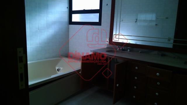 369,16 m2 úteis, face sombra, 4 suítes(sendo 3 master/blindex), 3 salas (1 delas 2 ambientes), lavabo,...