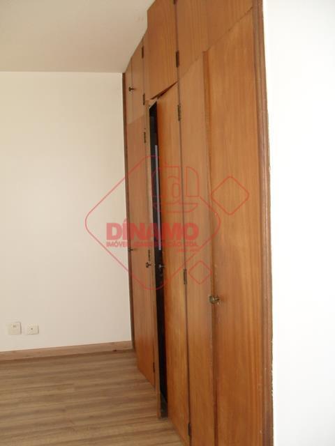 2 dorms.(suíte c/ gabinete) armários, sala 3 ambientes, lavabo, wc. social(gabinete), sacada, copa-cozinha planejada, área serviço,...