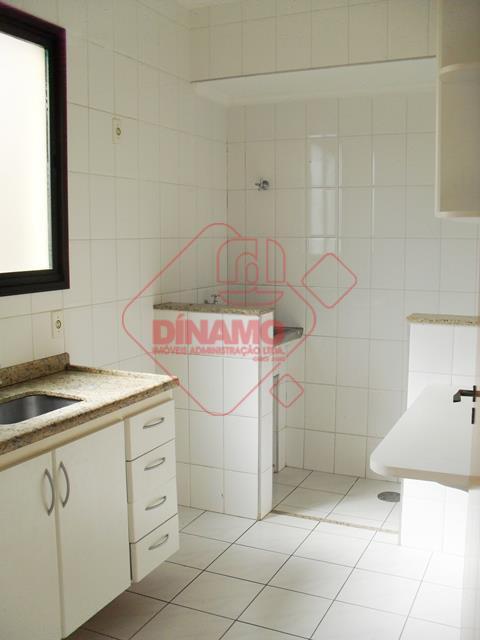 1 dormitório (armário), sala, wc. social(gab./box), cozinha(armário), área serviço(armário), 1 vaga garagem, prédio 3 andares, sendo...