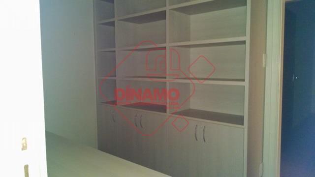 alugado, 3 dorms. (split/armários), sala 2 ambientes, wc social (armário/blindex/espelho), cozinha planejada, área serviço, wc empregada,...