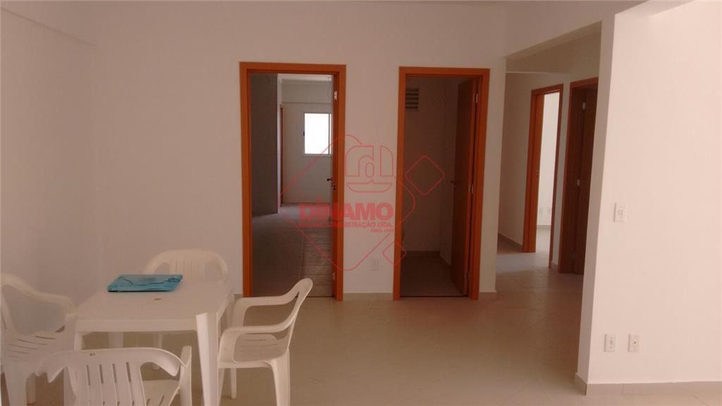 3 dorms.(suíte), sala, lavabo, wc. social, varanda gourmet, cozinha, área serviço, 2 garagens, com elevador, prédio...