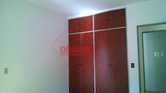 2 dorms. (armários), sala 2 ambientes, wc social (box acrílico), sacada, cozinha (gab.), área serviço, wc...