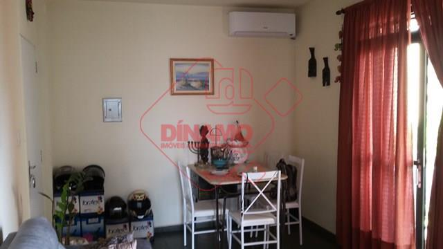 2 dorms. (sendo 1 com armário/ventilador), sala 2 ambientes (ar condicionado), sacada, wc social (blindex/armário), cozinha,...