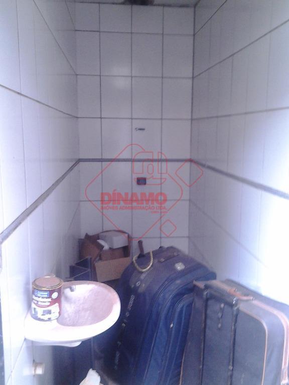 salão de 72 metros, sendo 56 galpão, 02 banheiros, 01 cozinha de 16 m², 01 quarto...