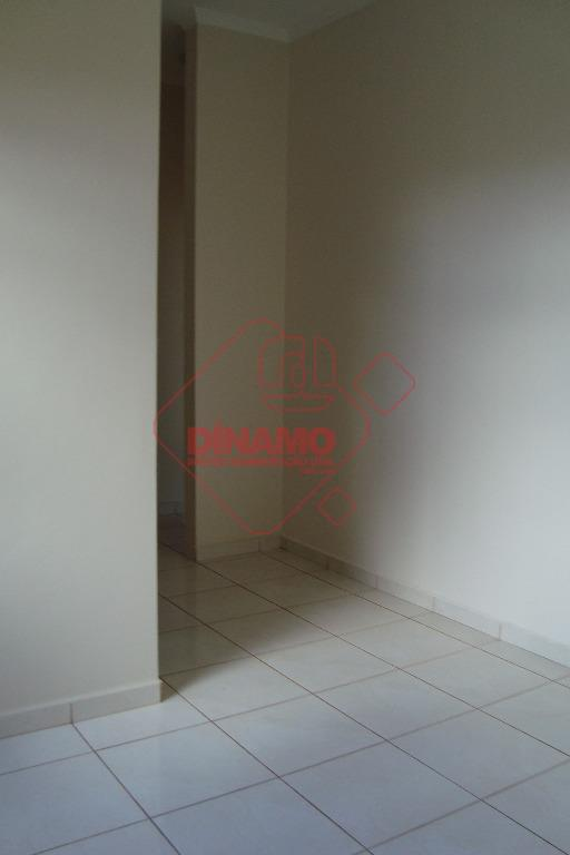 3 dorms.(suíte c/ gabinete), sala, wc. social (gabinete), cozinha(gabinete), área serviço, 5 garagens (2 cobertas), churrasqueira...