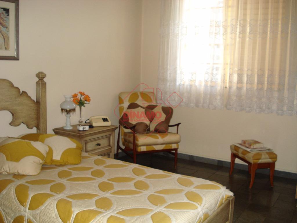 2 dorms. (suíte c/ gab./blindex) armários, sala, lavabo, wc social (gab./blindex) , sacada, cozinha planejada, quarto...