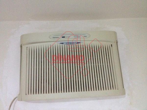 01 suíte (armário, cama, ar condicionado), sala ventilador, cozinha (armários), área de serviço (armários), 01 vaga...
