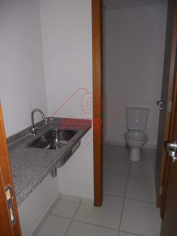 51,96 m2 úteis, sala com 2 banheiros, 1 copa, 1 garagem, sacada, portaria 24 hs., prédio...